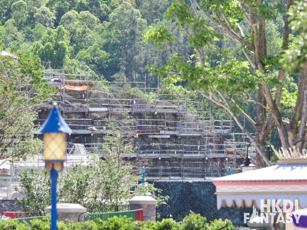Hong Kong Disneyland Arendelle Mountain construction