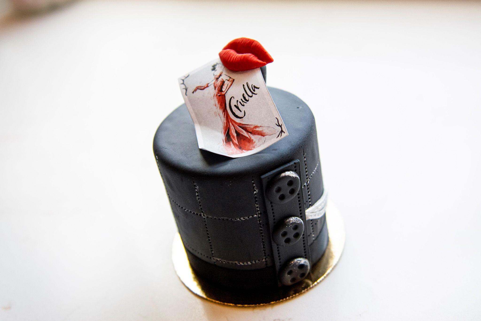Cruella Petit Cake from Amorette's Patisserie