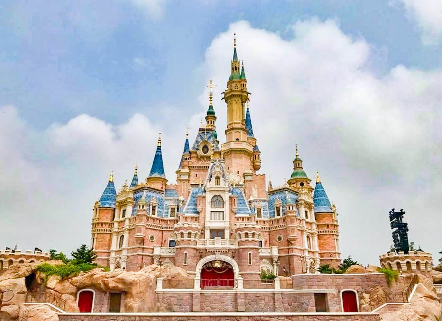 Shanghai Disneyland Celebrates 5th Anniversary With An All New Costume Look