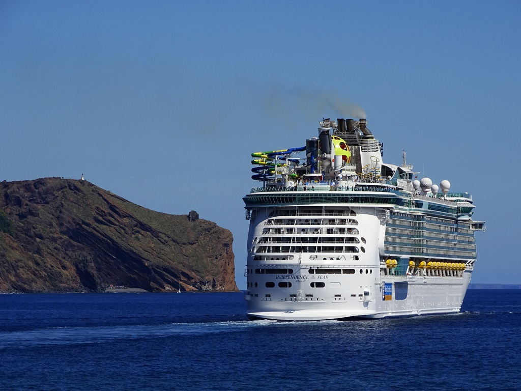 Here's What You Need To Know About Royal Caribbean's Vaccine Requirements
