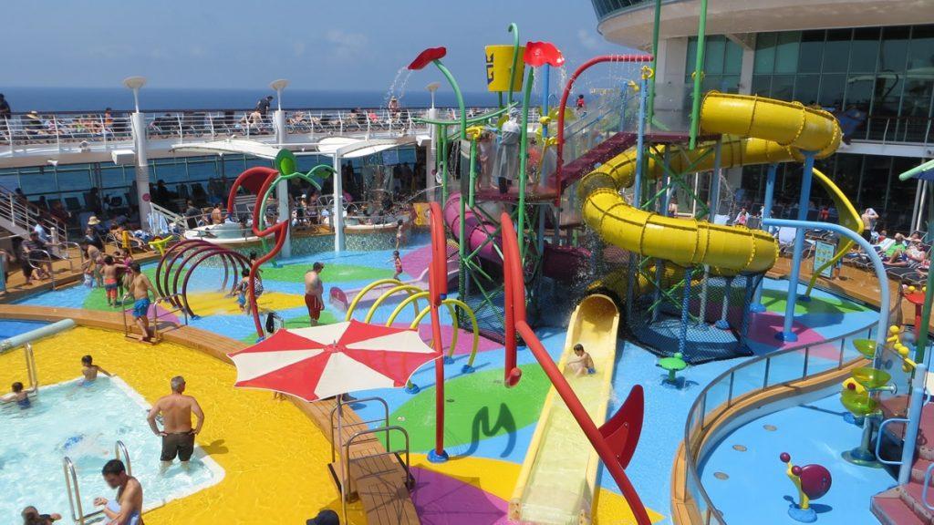 royal-caribbean-pool-area