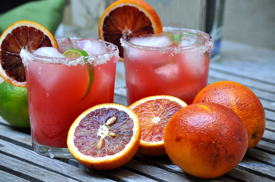 sparkling-blood-orange-margarita-drink