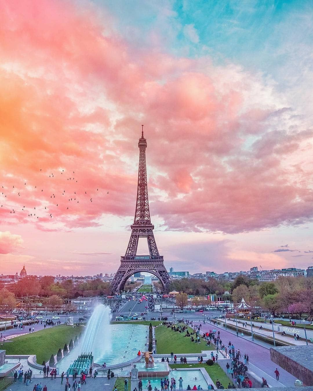 Here's What You Need To Know Before Visiting France This Fall